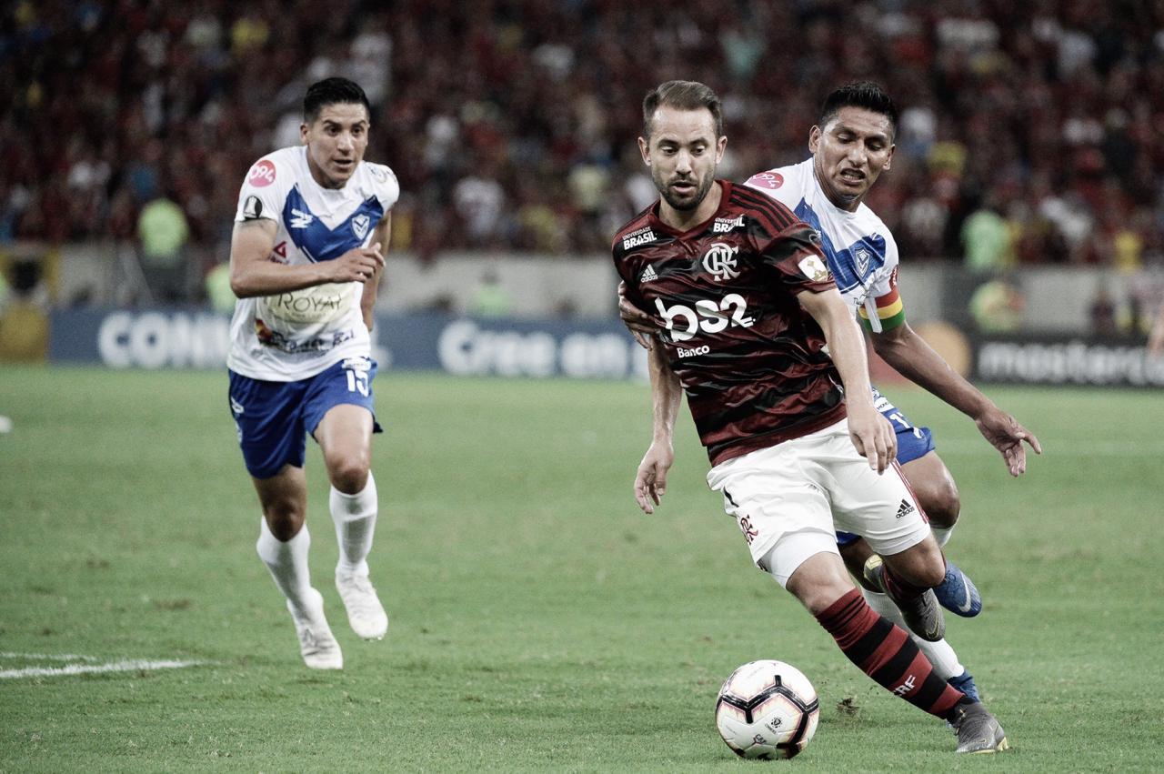 """Contente em ajudar o Flamengo, Everton Ribeiro revela: """"Feliz de estar podendo jogar"""""""