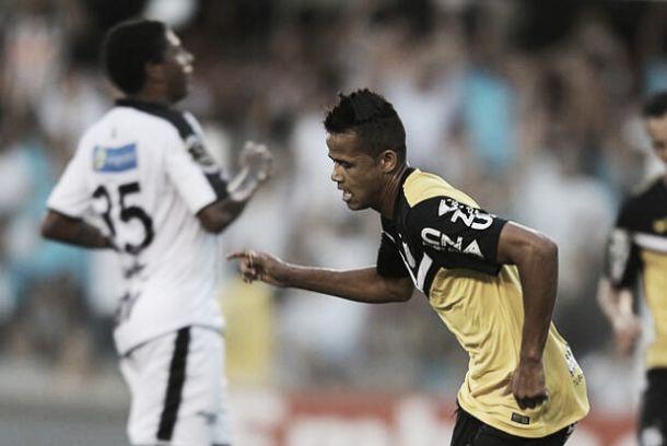 De amarelo, Santos vence Comercial na Vila Belmiro