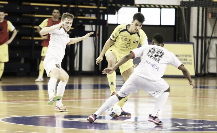 El Gran Canaria consigue su primera victoria en liga frente al Santiago