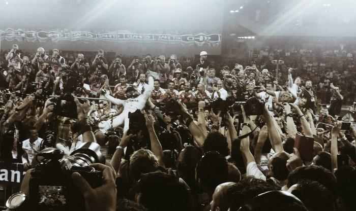 Nico Rosberg aguanta la presión y es campeón del mundo de Fórmula 1