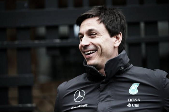 """Formula 1, Wolff: """"Sarà duello Mercedes-Ferrari. La vettura sta facendo progressi"""""""
