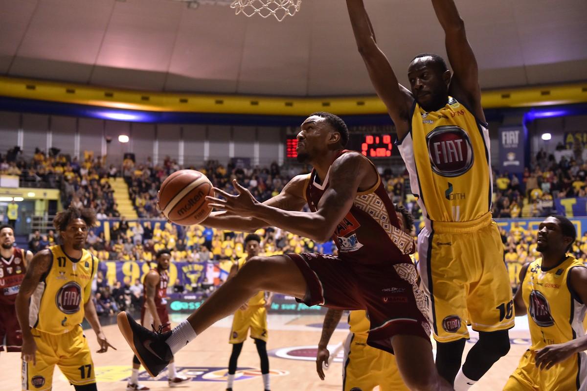 Legabasket - Dominio Reyer in terra piemontese: Torino si arrende (82-90)