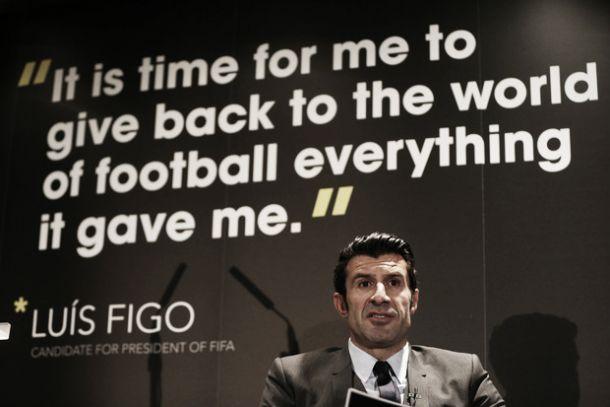 FIFA: Figo apresenta candidatura com intuito de «restaurar a transparência»