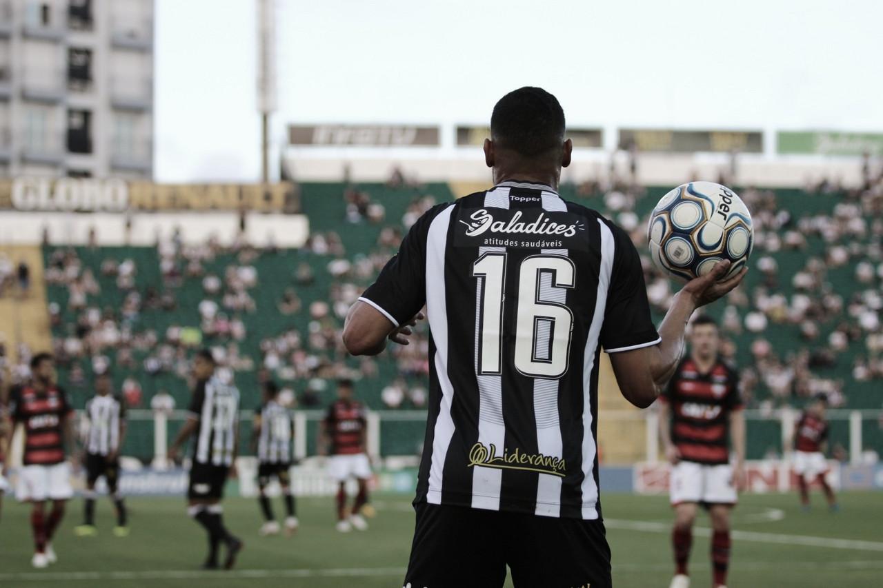 Na caça ao líder, Atlético-GO recebe lanterna Figueirense pela Série B