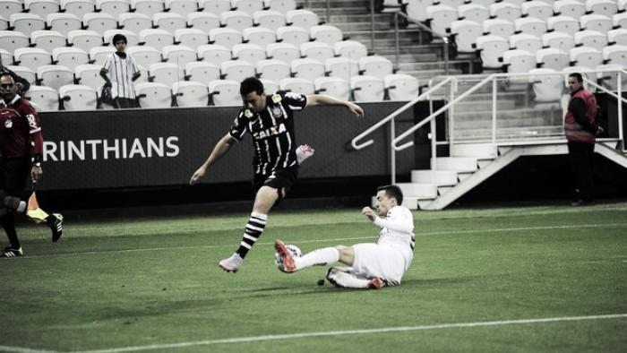 Corinthians encara irregular Figueirense visando liderança provisória