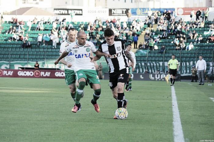 Figueirense cede empate para Chapecoense e chega a seis jogos sem vitória na Série A