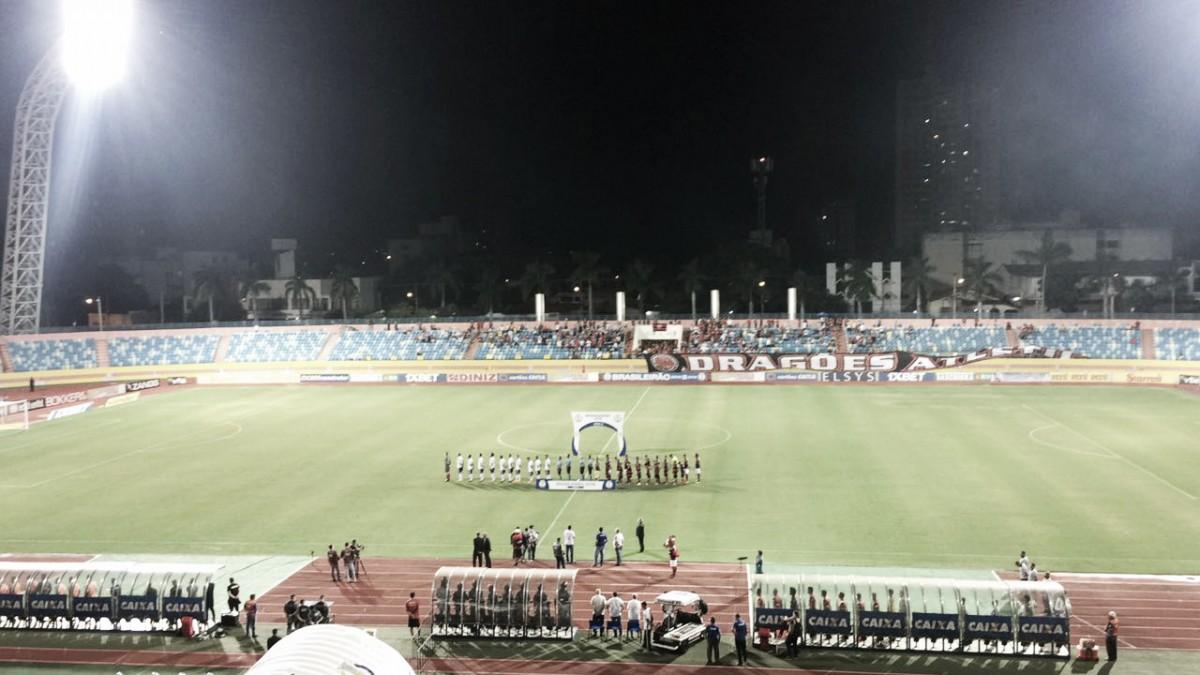 Em partida de sete gols, Figueirense despacha Atlético-GO e volta ao G-4