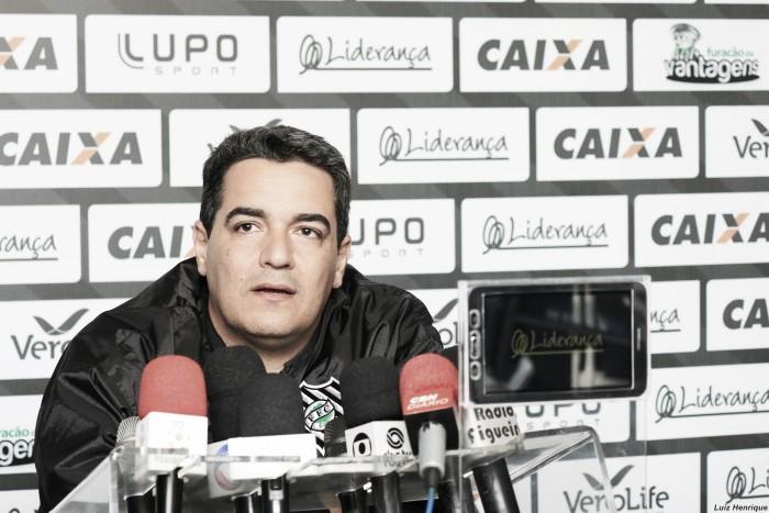 Tuca Guimarães lamenta erro de estratégia na derrota do Figueirense para o Flamengo