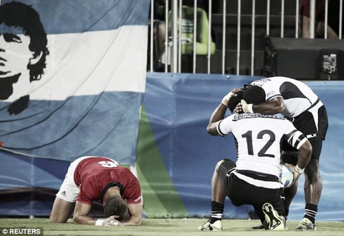 Fiji conquista ouro e primeira medalha da história no rúgbi masculino