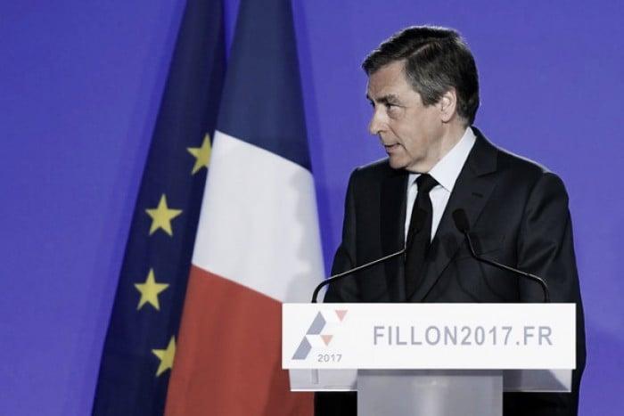 Fillon anuncia su continuidad pese a su probable imputación