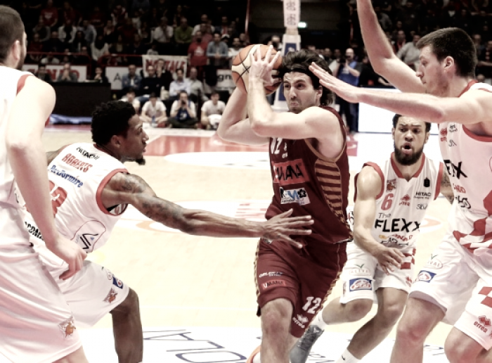 Legabasket Serie A - Venezia e Pistoia dissotterrano le asce di guerra