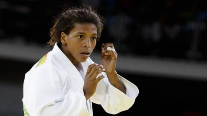 Judô: Rafaela Silva vence Corina Căprioriu e garante medalha na Rio 2016