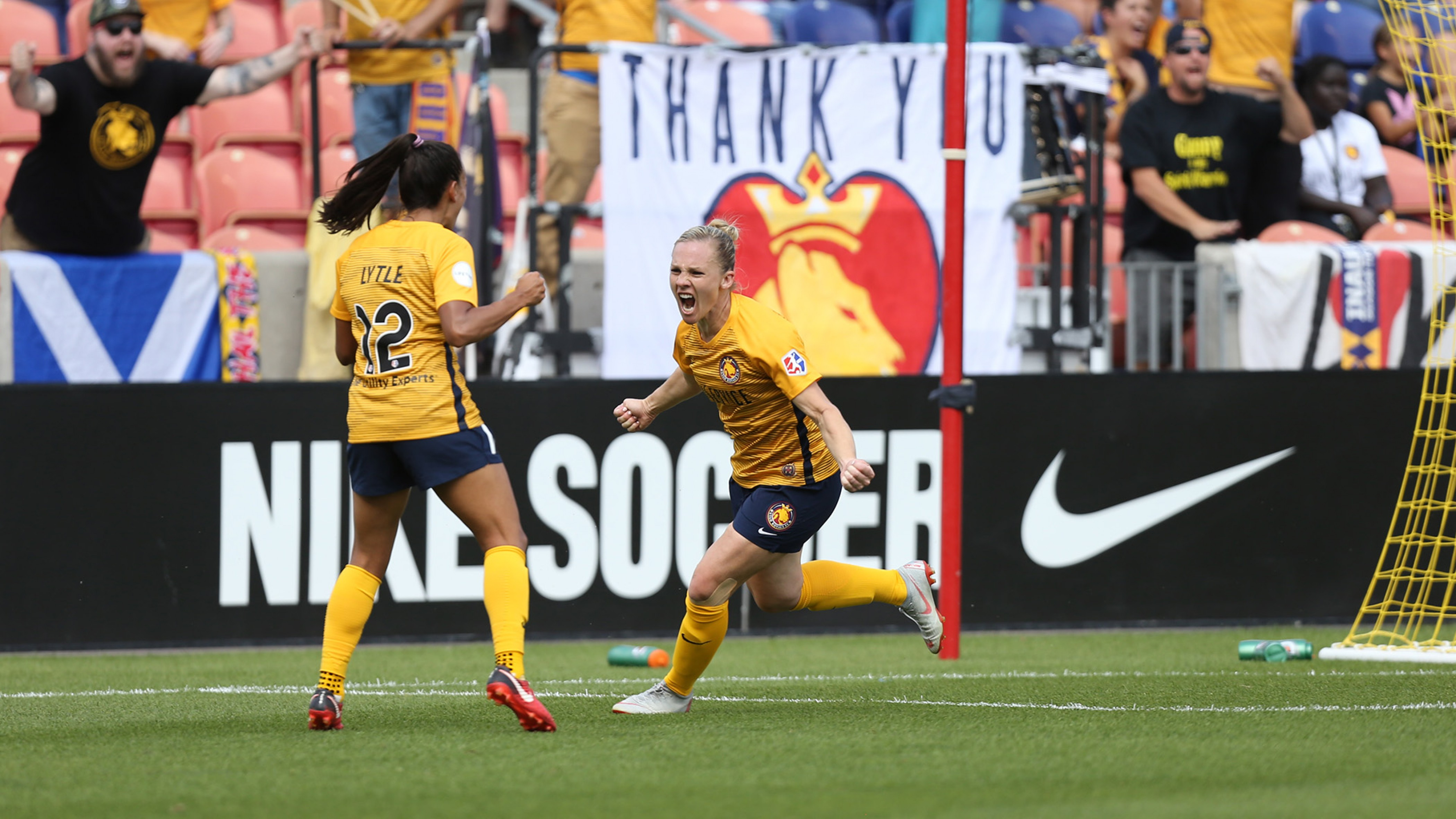 Utah Royals FC end season with a win against the Chicago Red Stars