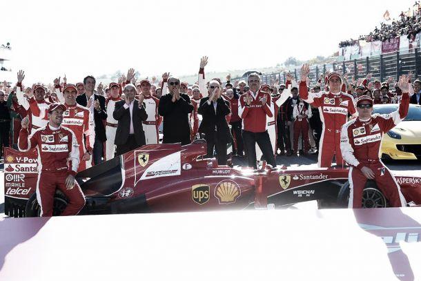 """In 50.000 al Mugello per la Ferrari, i piloti: """"Atmosfera fantastica, adesso chiudiamo in bellezza questo 2015"""""""