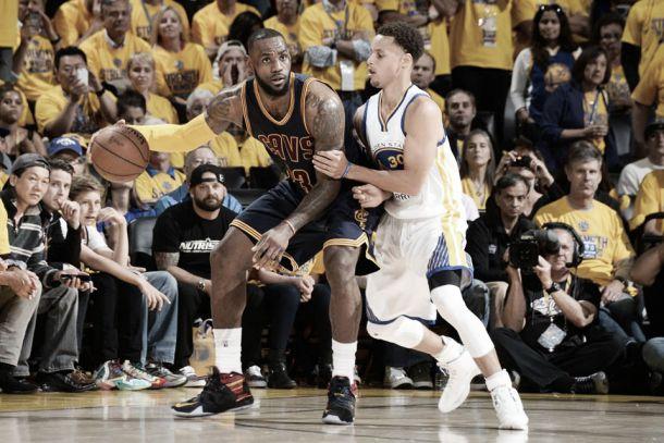 """Nba Finals, Warriors vicini al traguardo ma James non molla: """"Sono il miglior giocatore al mondo"""""""