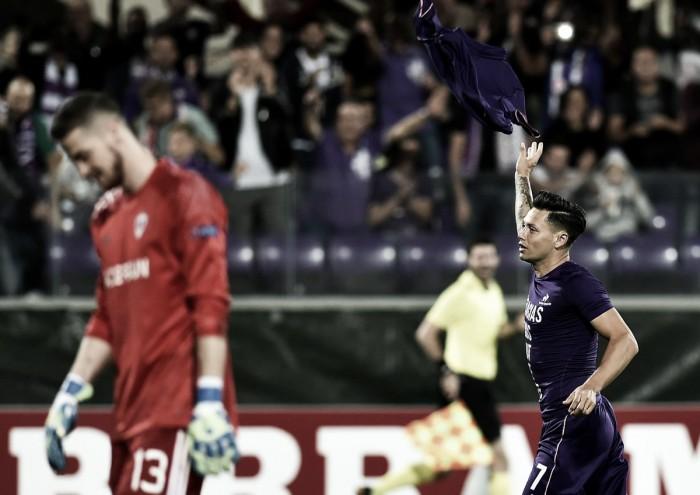 Estreante na temporada, Zárate marca duas vezes e Fiorentina atropela Qarabag