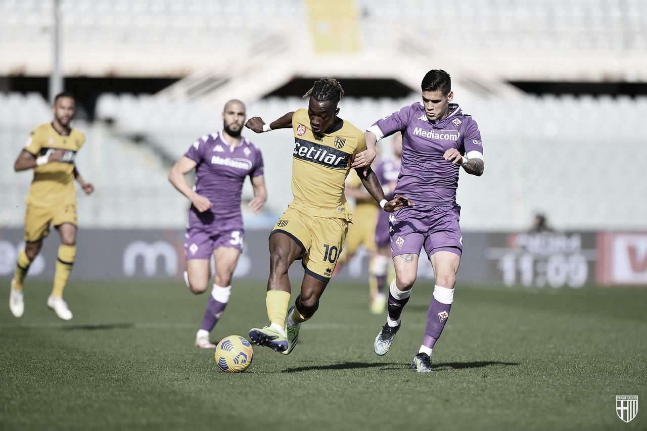 Fiorentina marca no fim e evita derrota para Parma em jogo de seis gols
