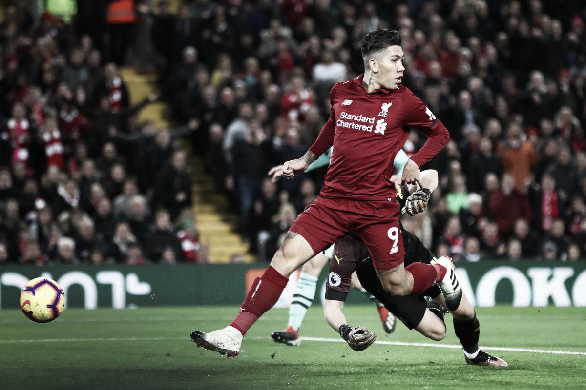 Firmino marca três, Liverpool goleia Arsenal e aumenta distância na ponta da Premier League