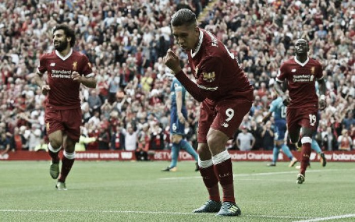 Firmino brilha e Liverpool goleia Arsenal no primeiro clássico da Premier League