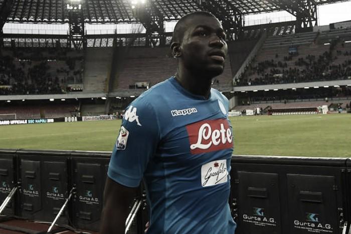 Koulibaly festeja bom momento e diz que assinaria 'contrato eterno' com o Napoli