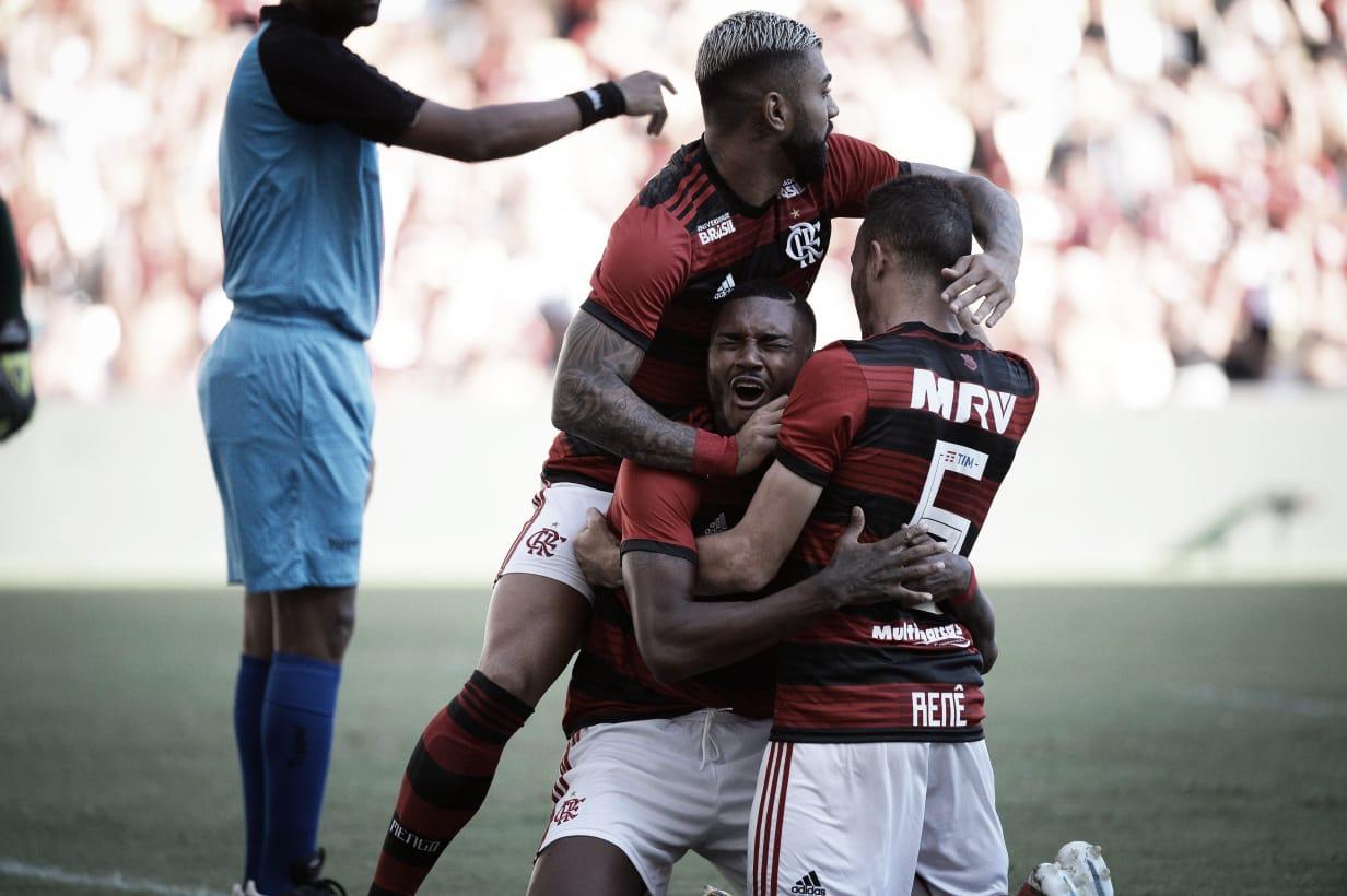 Vitinho faz dois, Gabriel desencanta e Flamengo goleia Americano pela Taça Rio