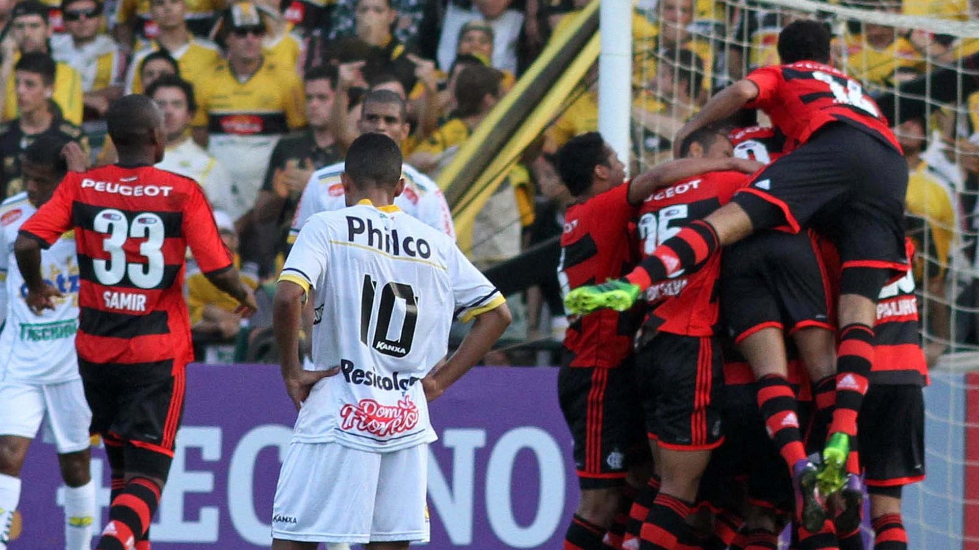 Na primeira vitória no Brasileiro, Flamengo derrota o Criciúma em Santa Catarina