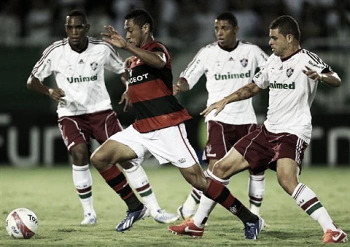 Flamengo defende tabu de nunca ter sido derrotado pelo Fluminense no Raulino