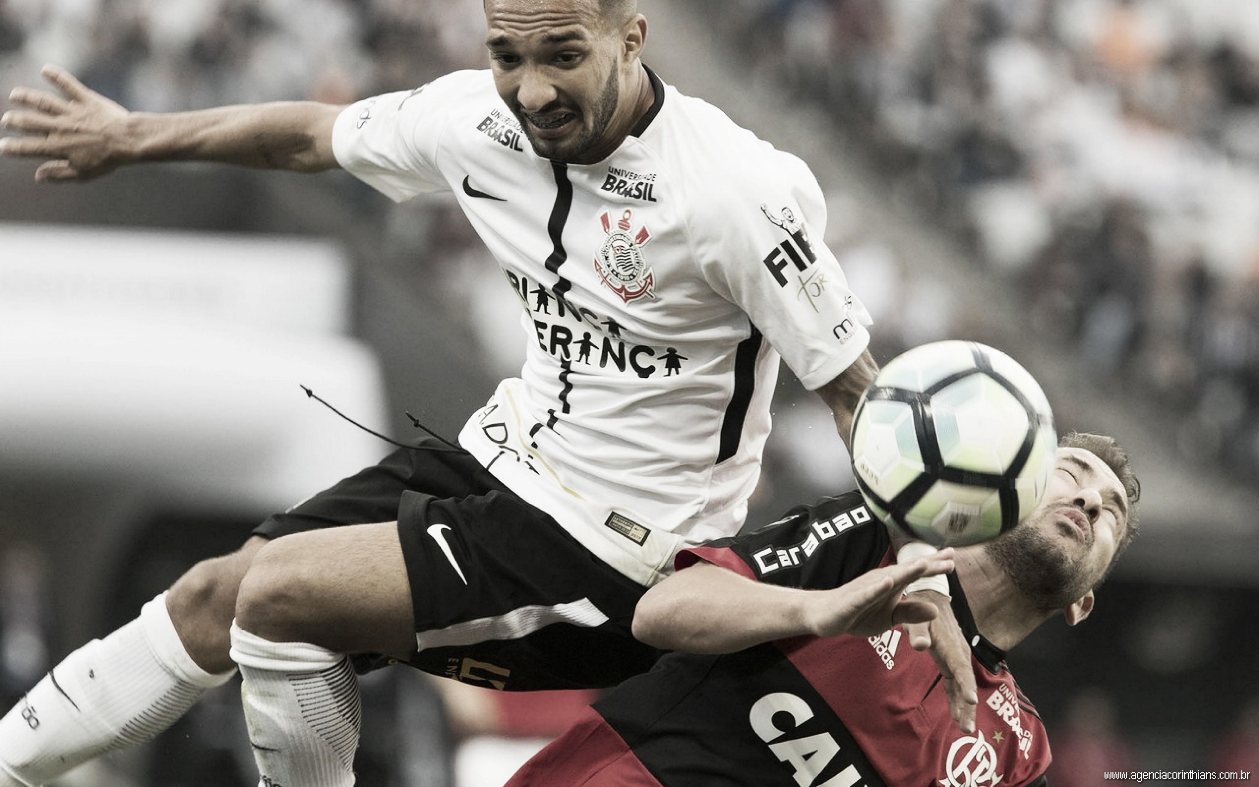 No clássico das nações, Flamengo e Corinthians se enfrentam na partida de ida pela Copa do Brasil