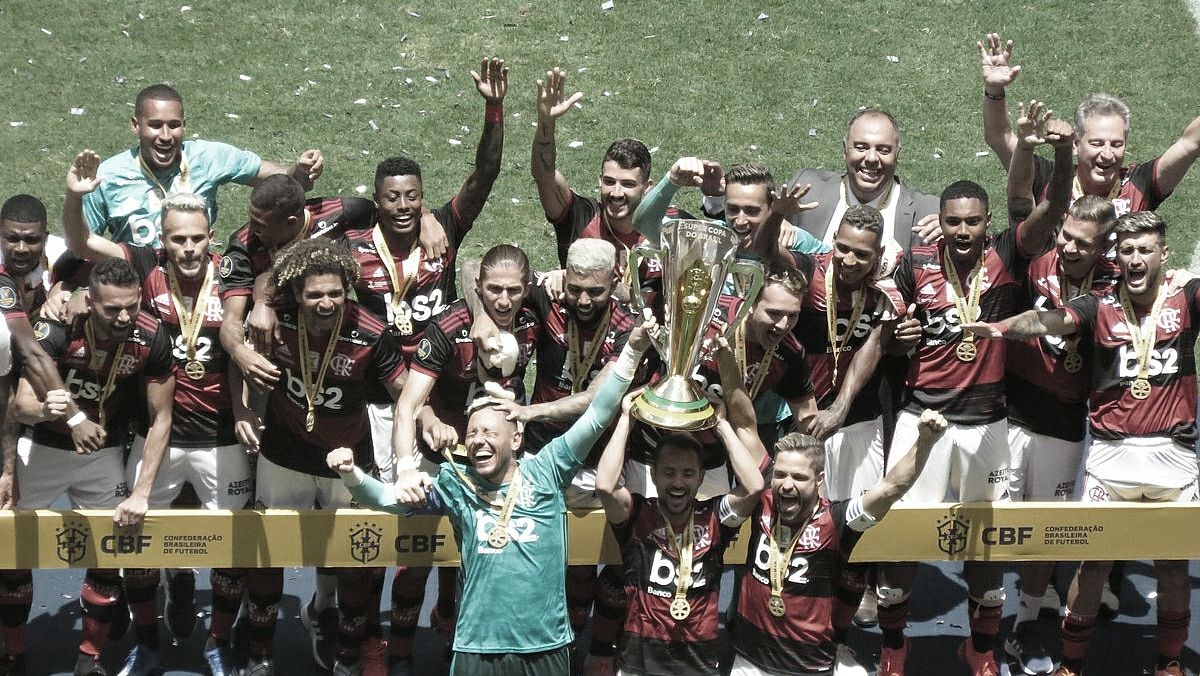 Empilhando taças! Flamengo derrota Athletico-PR e conquista Supercopa do Brasil