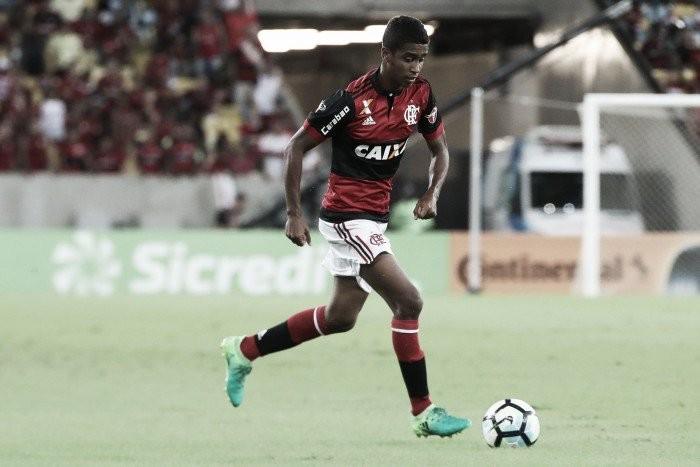 Contestado pela torcida do Flamengo, Gabriel encaminha empréstimo com Sport