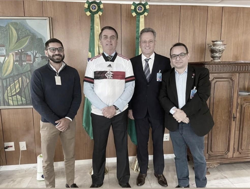 Flamengo e Vasco se reúnem com presidente Bolsonaro para levar treinos a Brasília