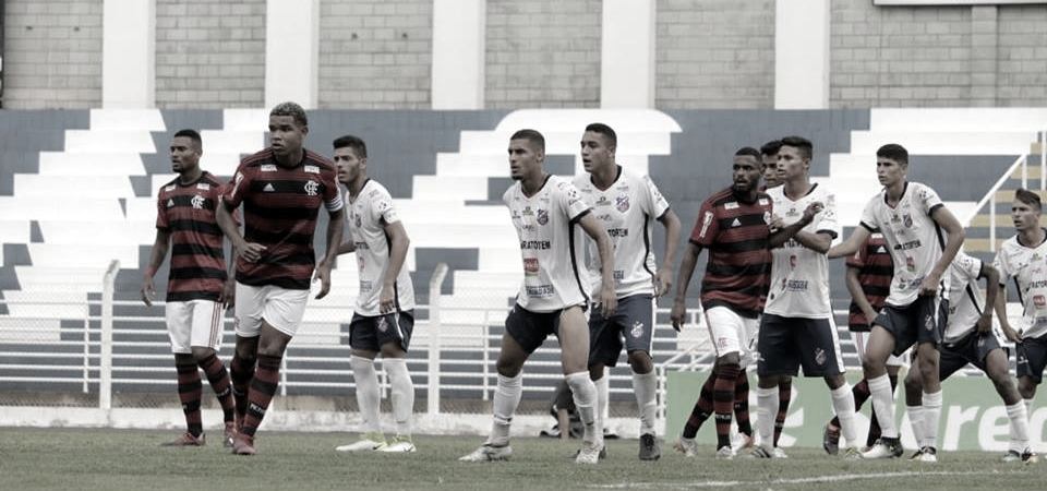 Flamengo joga mal, perde para o Trindade-GO, mas ainda depende de si para se classificar na Copinha