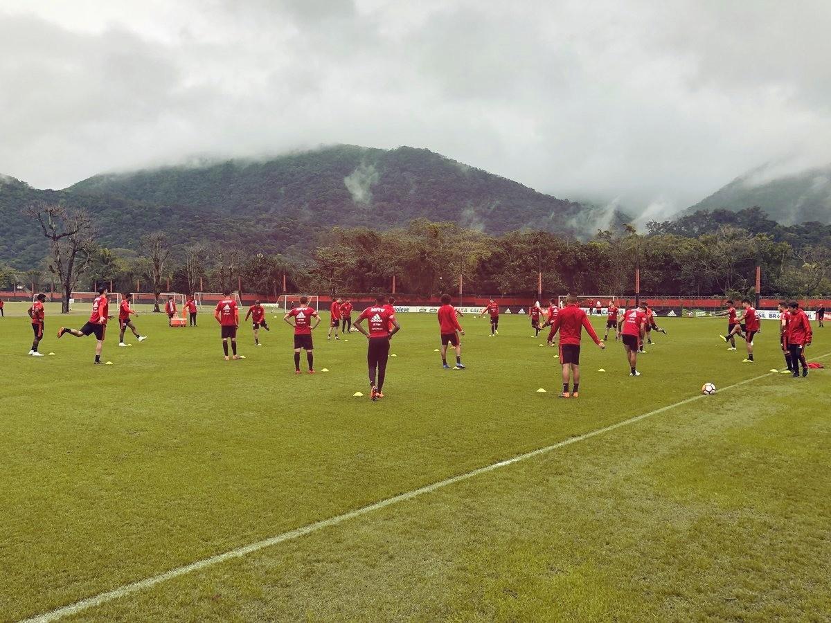 Barbieri vê situação de Guerrero difícil após ficar fora dos treinos no Flamengo