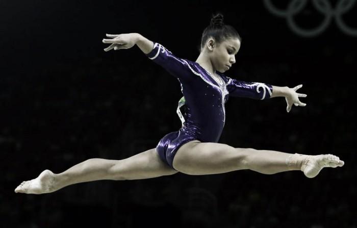 Flavinha Saraiva surpreende, mas perde posição no pódio para americana Simone Biles