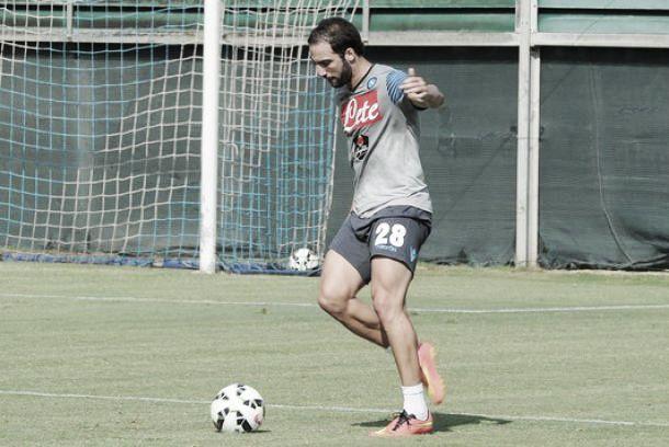"""Napoli, i convocati e le scelte di Benitez per la """"finale"""" con la Lazio"""