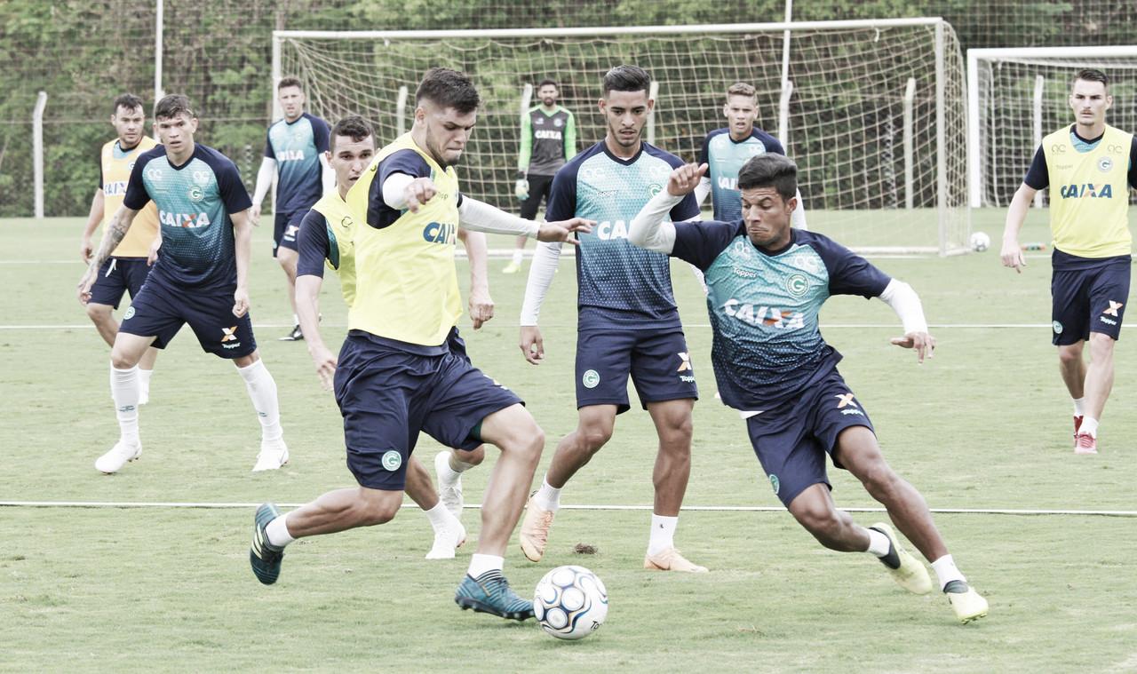 Goiás recebe Londrina buscando aproximação na liderança da Série B do Brasileirão