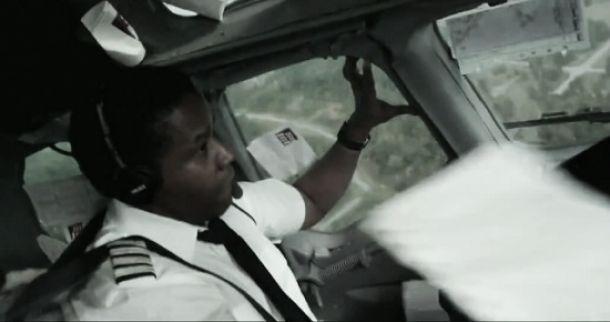 Un oscuro viaje interior de un piloto lleno de adicciones: 'El vuelo (Flight)'