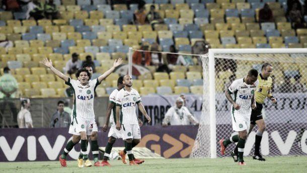 De novo! Chapecoense vence Fluminense mais uma vez e se afasta da zona de rebaixamento