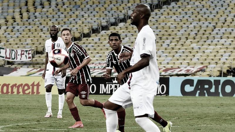 """""""Árbitro me pediu desculpa"""", diz técnico do Fluminense após gol anulado em derrota"""