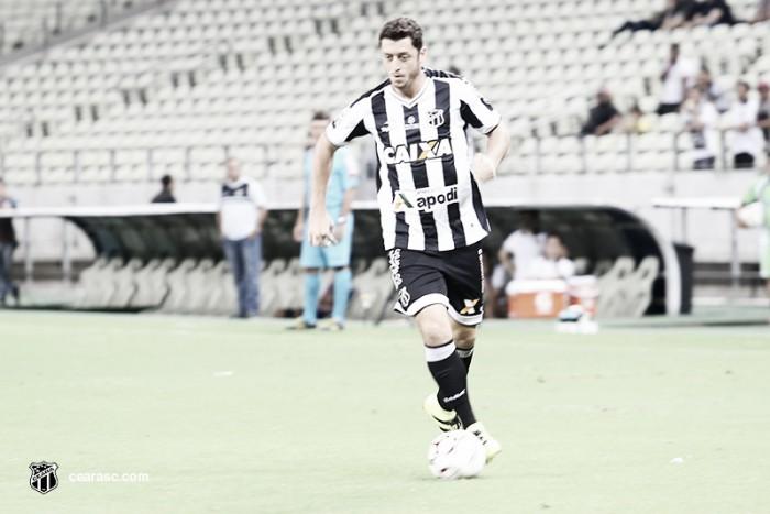 Ceará realiza último treino e viaja para Londrina com Felipe Menezes entre os relacionados