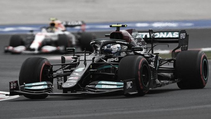 Hamilton logró la pole en Turquía