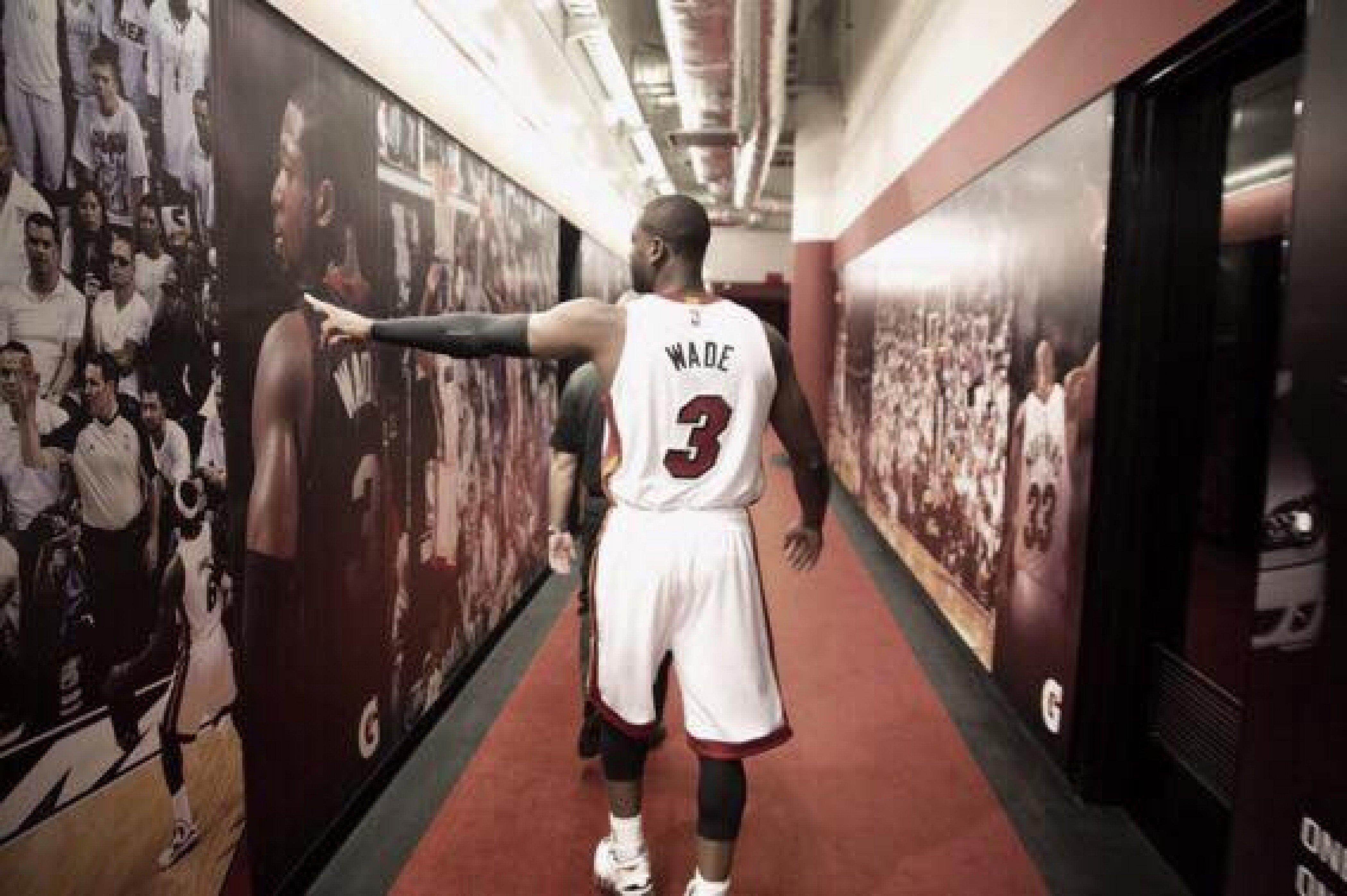 Dwyane Wade anuncia que sigue una temporada más:
