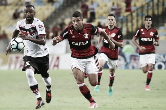 Após eliminação precoce na Libertadores, Flamengo tenta reconquistar confiança contra Atlético-GO