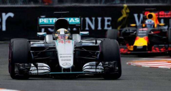 F1, le pagelle del GP di Monaco: Hamilton preciso, disastro Red Bull, Ferrari anonima