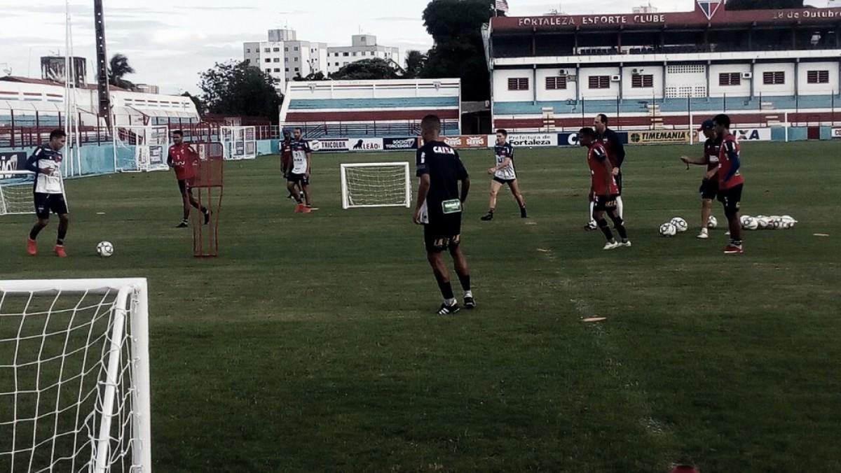 Com histórico marcante, Fortaleza e Avaí se enfrentam após 10 anos para consolidar posições na Série B