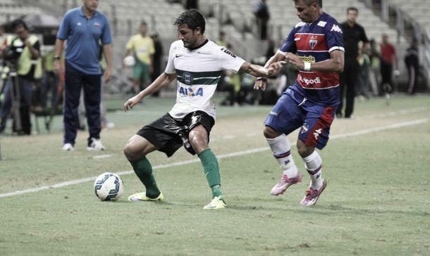 Fortaleza aproveita falhas defensivas do Coritiba, vence e abre vantagem na Copa do Brasil