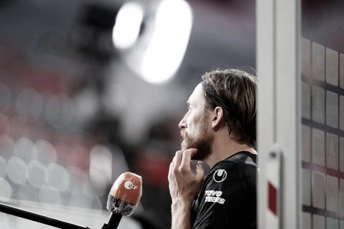"""Após sofrer goleada, capitão do Düsseldorf ressalta: """"Agora trata-se de sobreviver"""""""