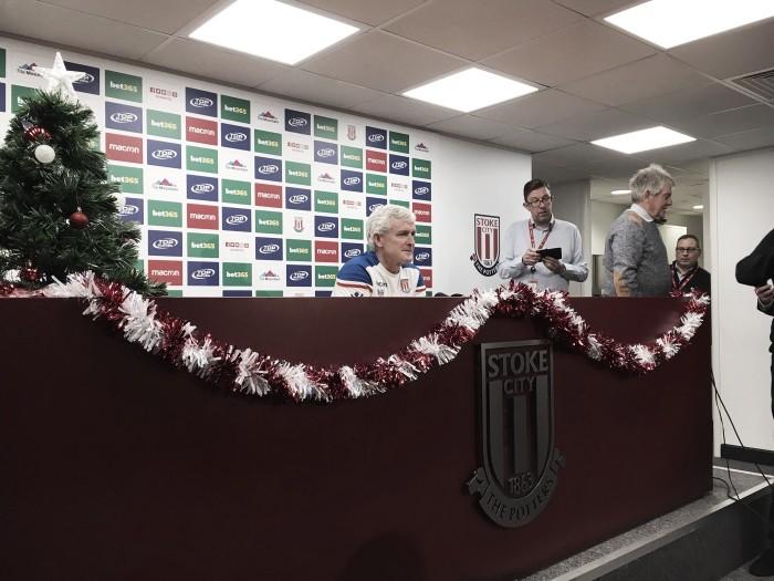 """Mark Hughes: """"Hubo muchas cosas positivas que repetiremos el sábado"""""""