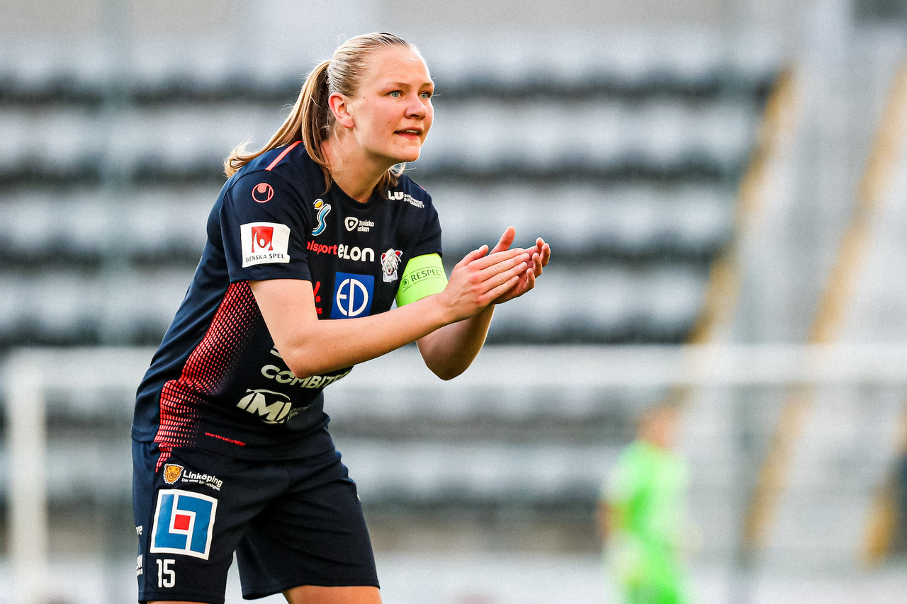 Frida Leonhardsen Maanum joins Arsenal