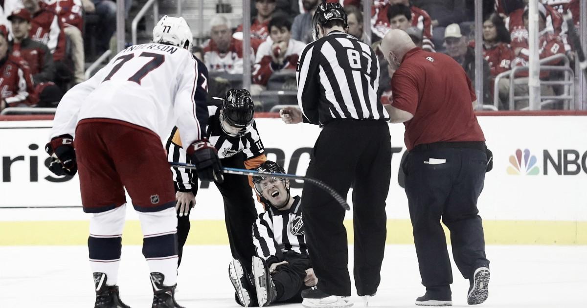 El linesman Steve Barton sufre lesión en Playoffs de la NHL
